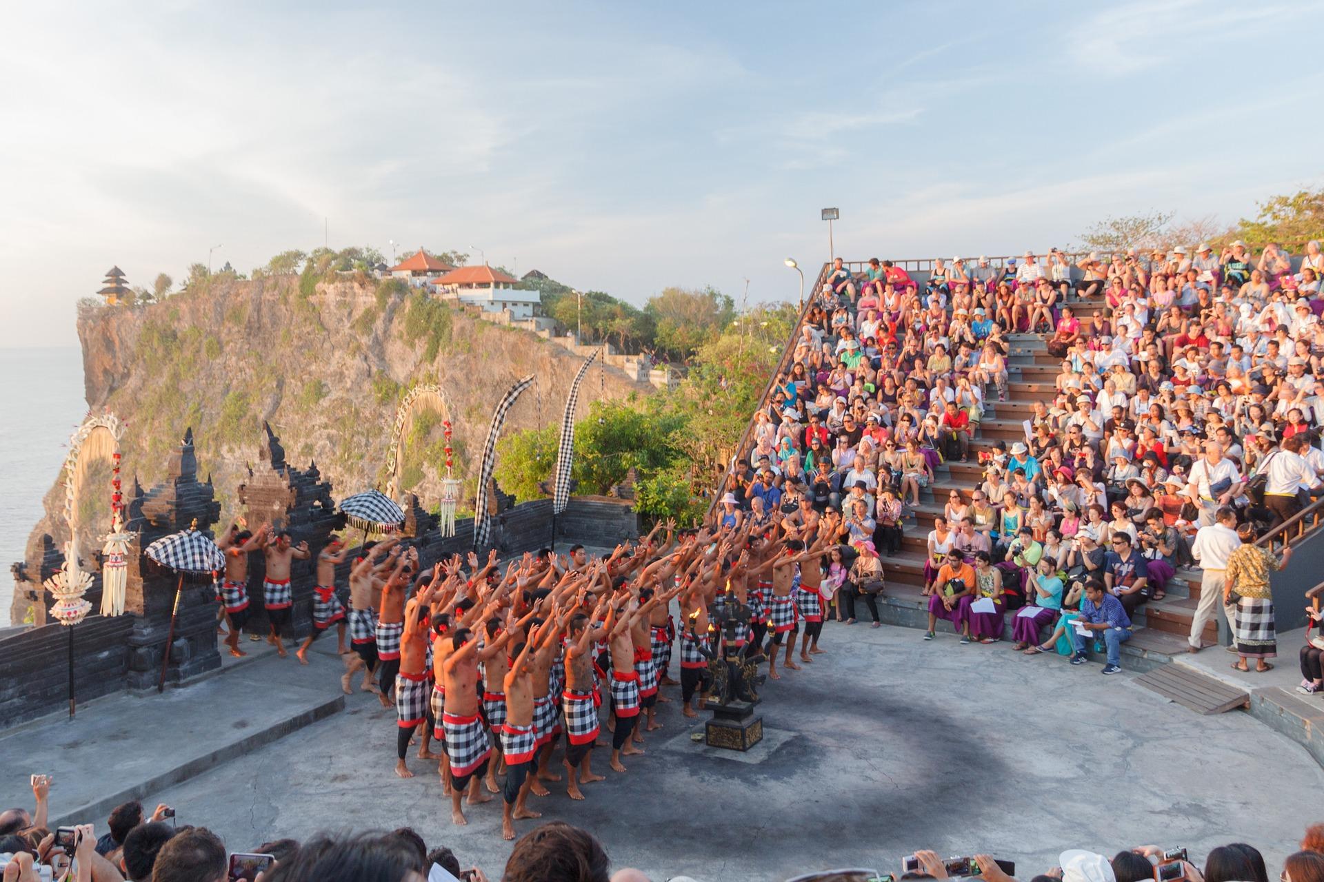 意外とおもしろい!!バリのウルワツ寺院でケチャダンスを鑑賞してきた【場所・行き方・注意点】